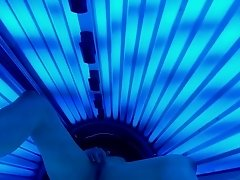 Hot wife masturbates in public tanning bed