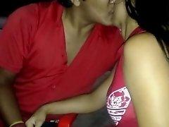 Se Beijando Com Essa Puta Gostosa