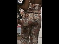 quick big booty jiggle in store,, nice ass momma